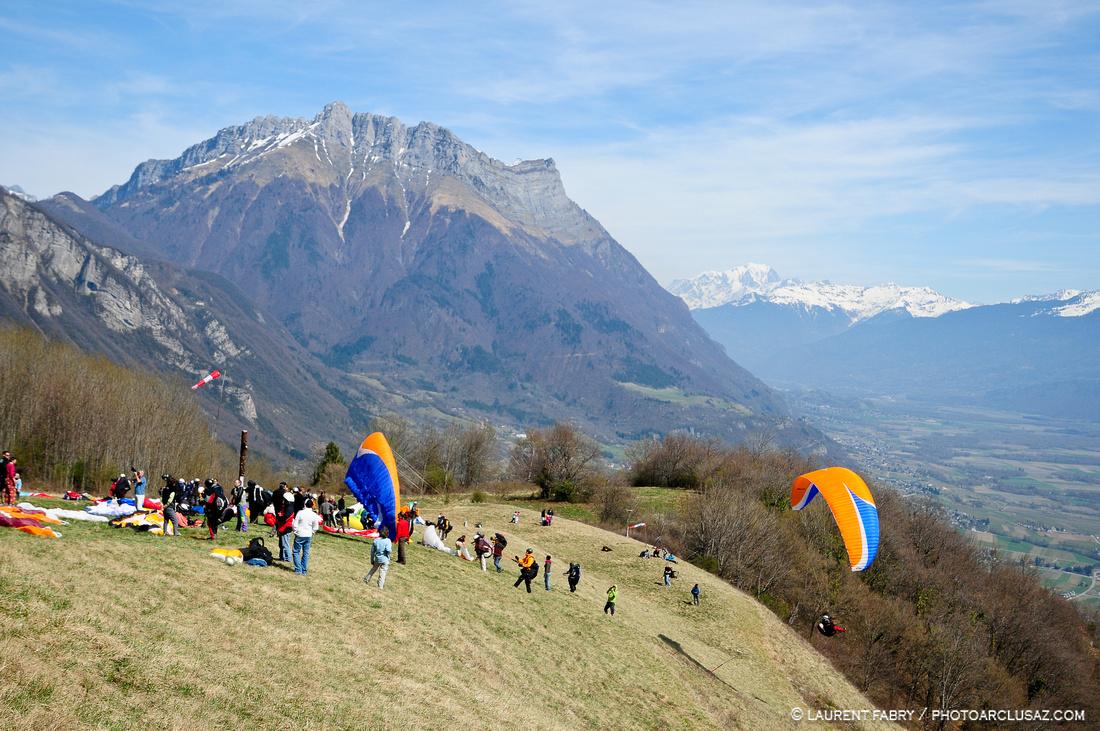 Compétition de parapente en Combe de Savoie